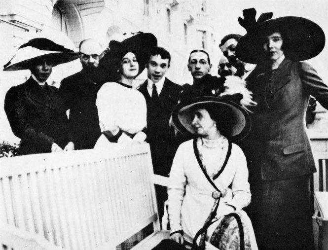 Nijinsky_Diaghilev_Benois_Stravinsky_Beausoleil_c1912